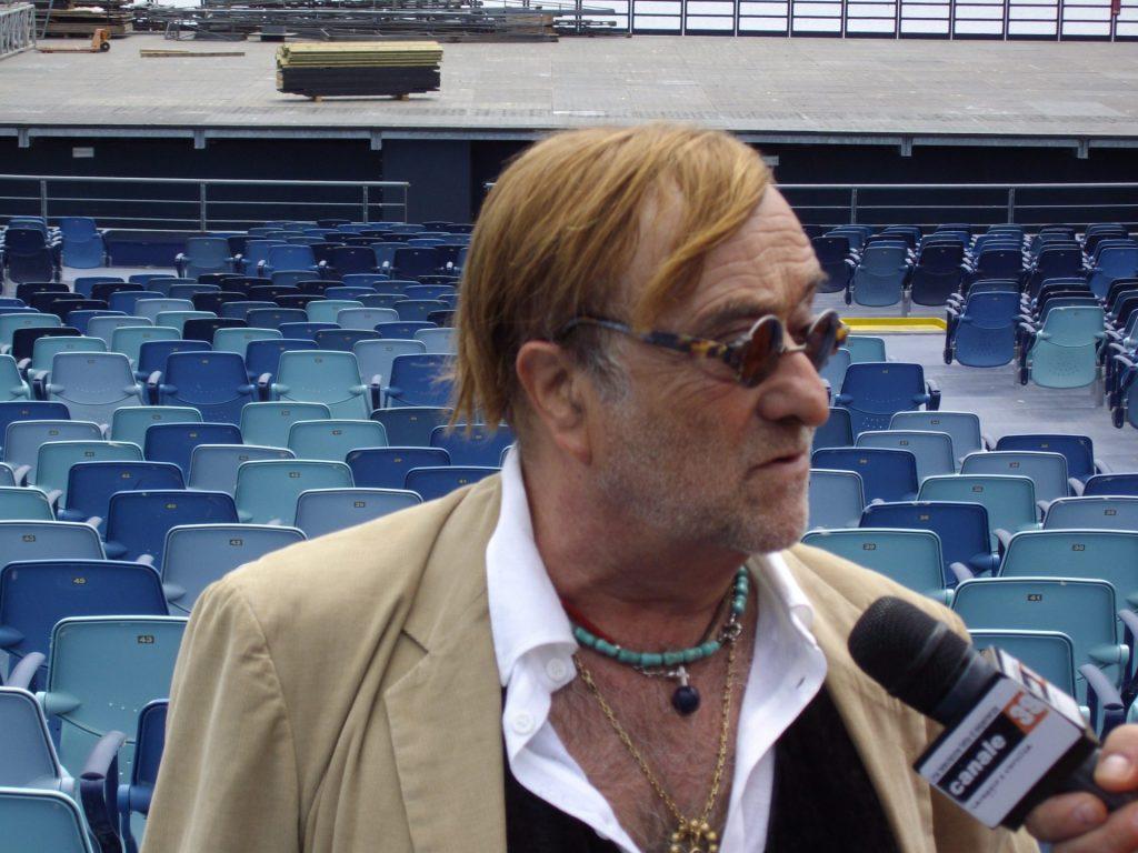 Lucio Dalla intervistato al Gran Teatro Puccini a Torre del Lago