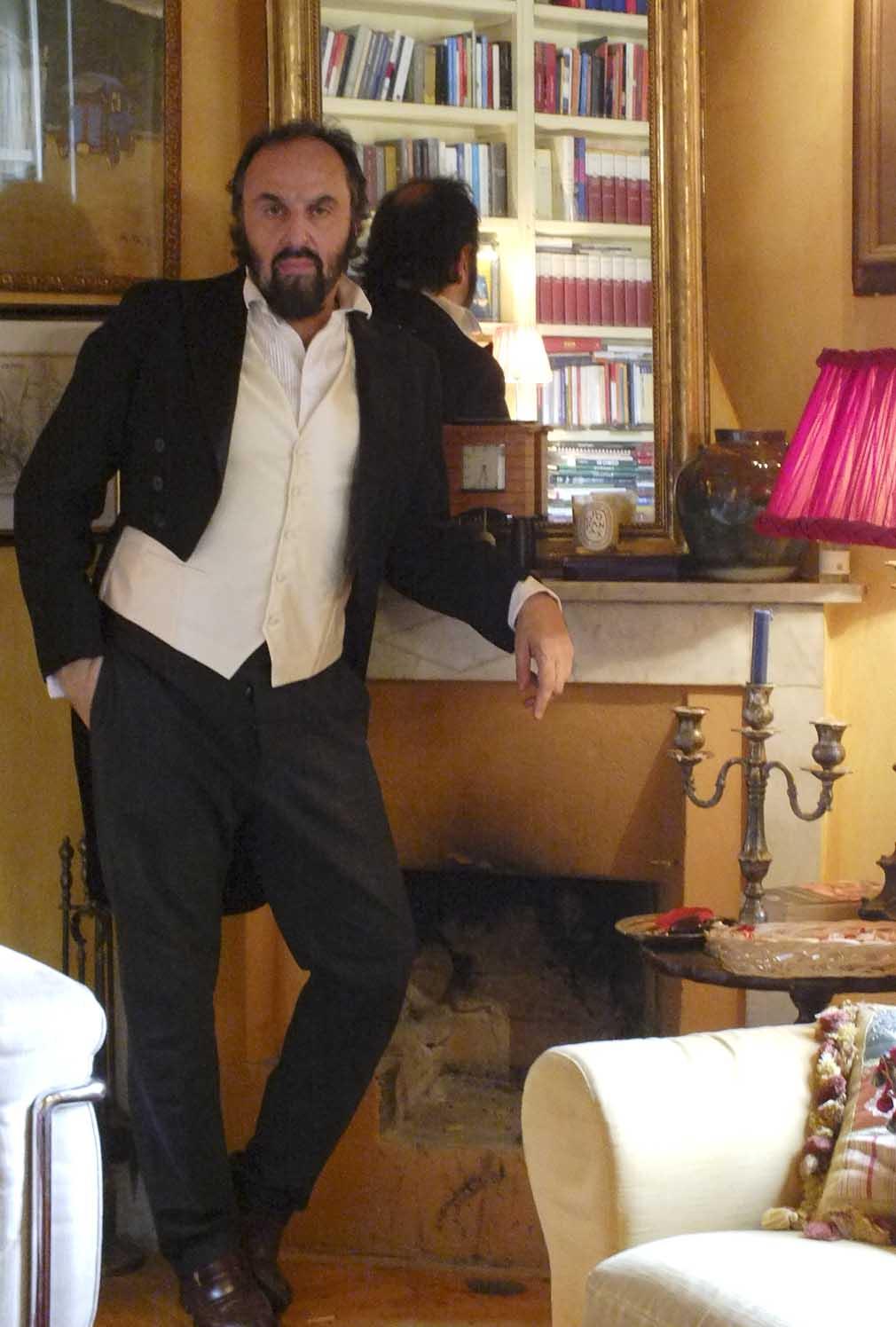 Andrea Buscemi nella sua abitazione di Pisa