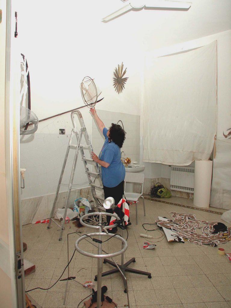 anat golandski prepara l installazione