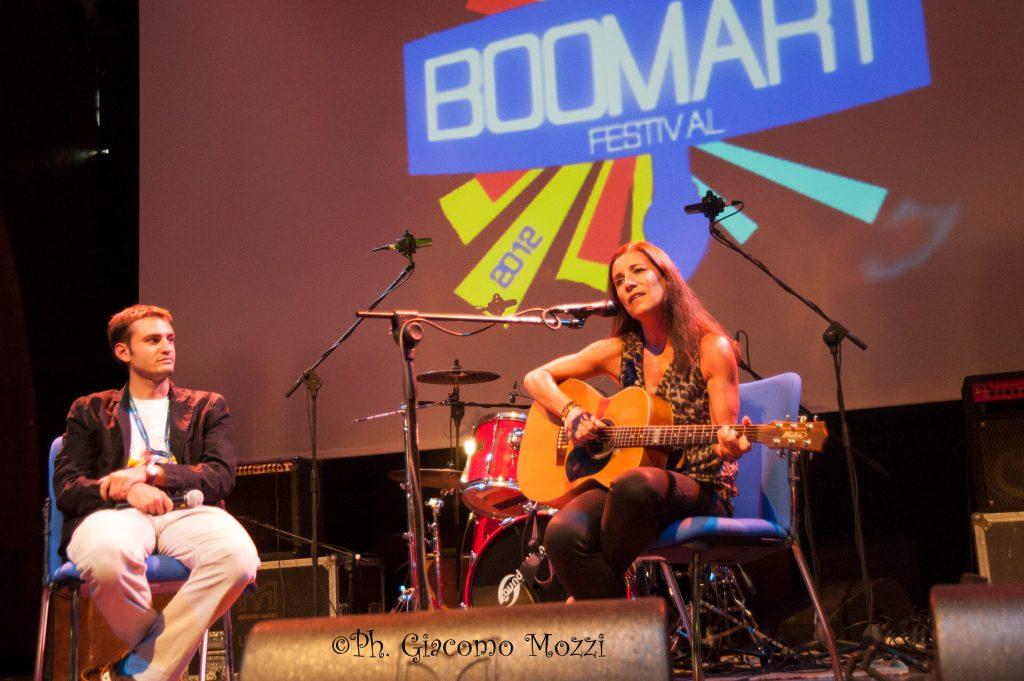 paola turci sul palco di boomart festival FOTO DI GIACOMO MOZZI