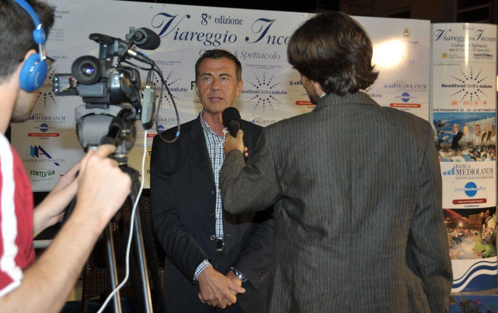 Michele Cucuzza intervistato a Viareggio Incontri