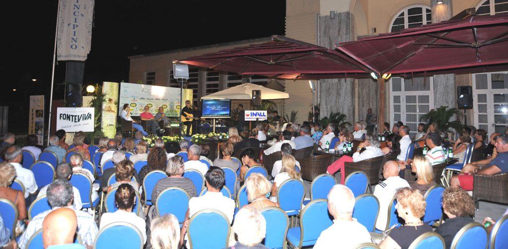 Il pubblico di Viareggio Incontri con Aleandro Baldi