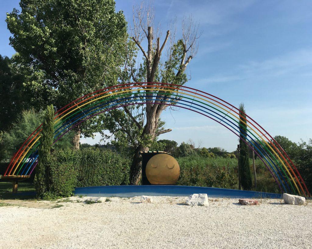 14 podere lovolio massarosa fondazione pomara scibetta opere d'arte l'arcobaleno