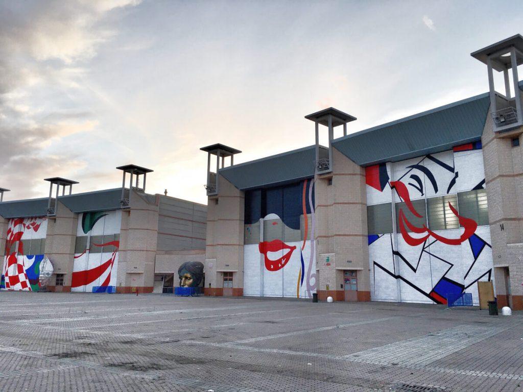 OQZBE2396 portoni hangar cittadella del carnevale di viareggio