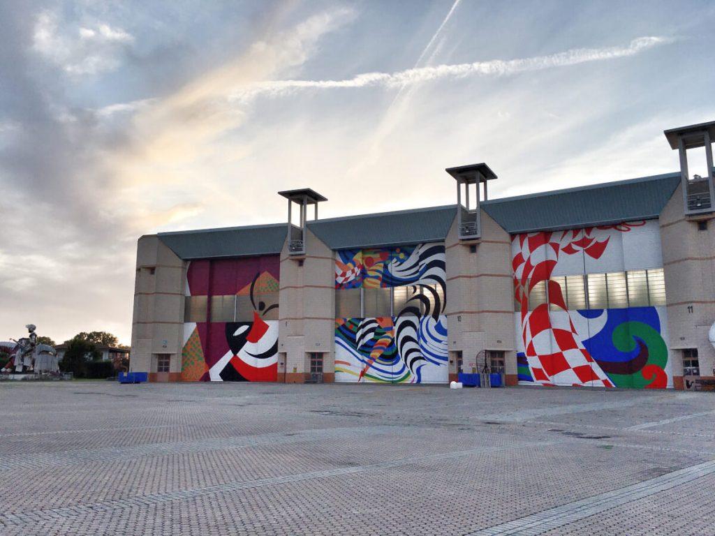 SRVWE9842 portoni hangar cittadella del carnevale di viareggio