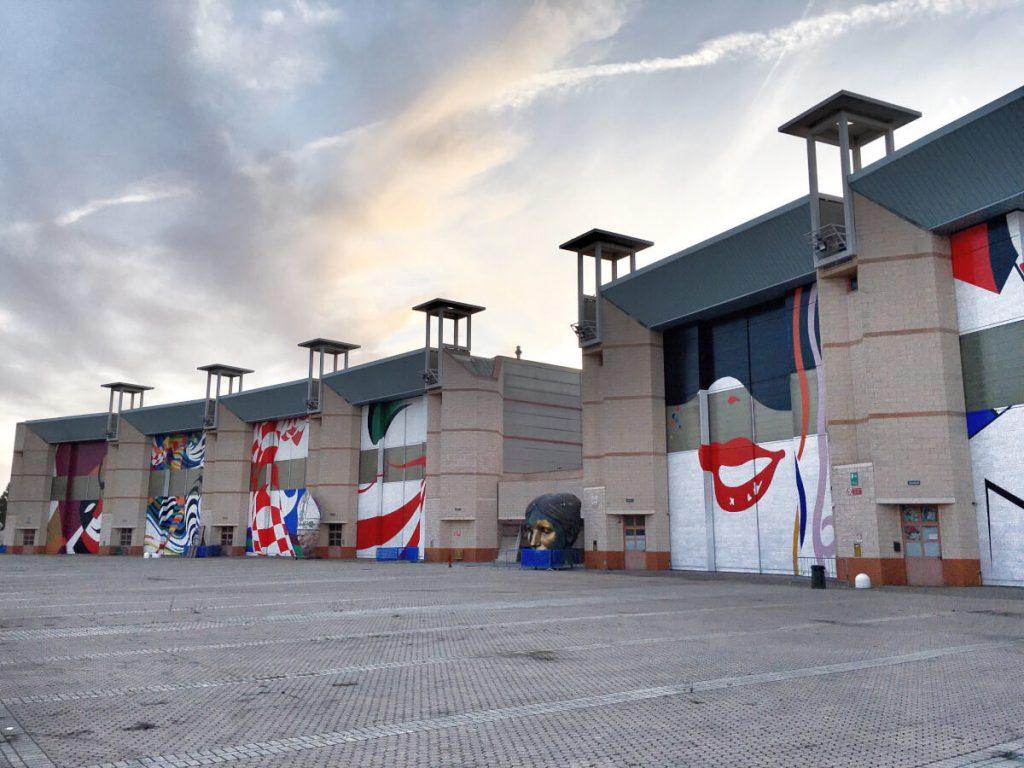TKLAE0345 portoni hangar cittadella del carnevale di viareggio