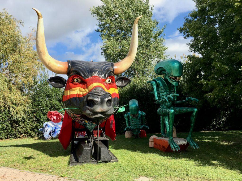 la testa del toro di carlo lombardi cittadella del carnevale di viareggio IMG_E8500