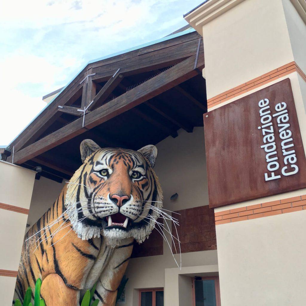 la tigre di luca bertozzi ingresso fondazione carnevale di viareggio 1